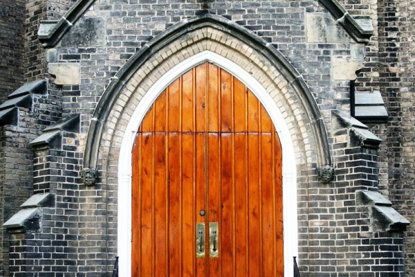 church-doors-1524762